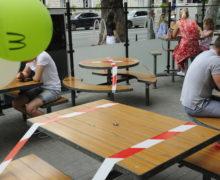 Рестораторы требуют снять ограничения с кафе и ресторанов и грозят протестами