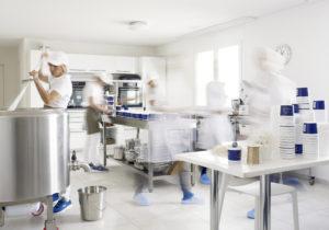 Да будет сыр. История молдаванки, открывшей в Швейцарии производство «молочки» ручной работы