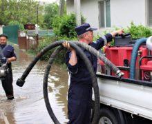 ВМолдове из-за ливней затопило несколько сел ипригород Кишинева (ФОТО)