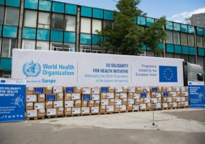 В Молдову прибыла первая партия масок и костюмов для врачей от ЕС и ВОЗ (ФОТО)