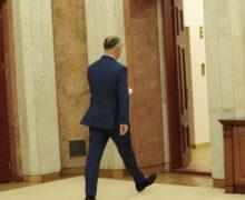 Președintele, puternic și nu prea. Cum CC a devenit iarăși arbitru în politica moldovenească