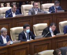 «Страна нуждается всильной власти. Ия как депутат фракции ПСРМ готов помочь». Гацкан вернулся впарламент
