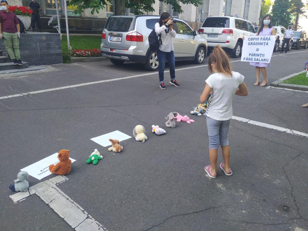 protest, grădinițe, solidari
