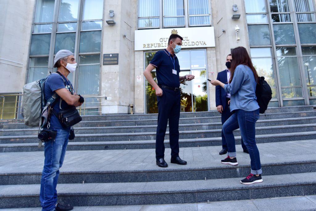 Ступени свободы слова. Как охрана правительства и полиция угрожали журналистам штрафами