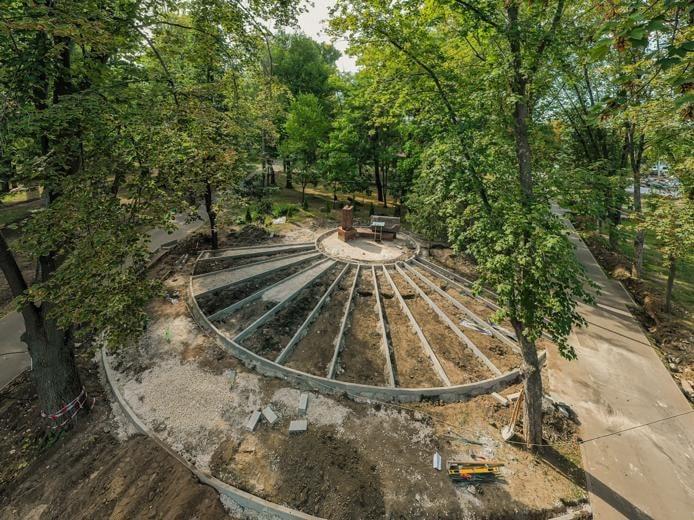 """FOTO Lucrările de amenajare a parcului """"Alunelul"""", finalizate în proporție de 50%"""