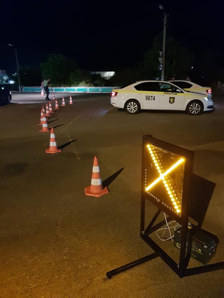 FOTO Peste 320 de automobile, verificate de polițiști în această noapte. 68 de șoferi s-au ales cu procese verbale