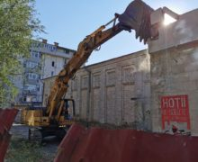 """Judecată și demolare. Cum a devenit """"Gaudeamus"""" un punct fierbinte pe harta Chișinăului"""