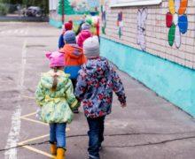 В первую неделю после возобновления работы детсадов в группы вернулись 5 тыс детей