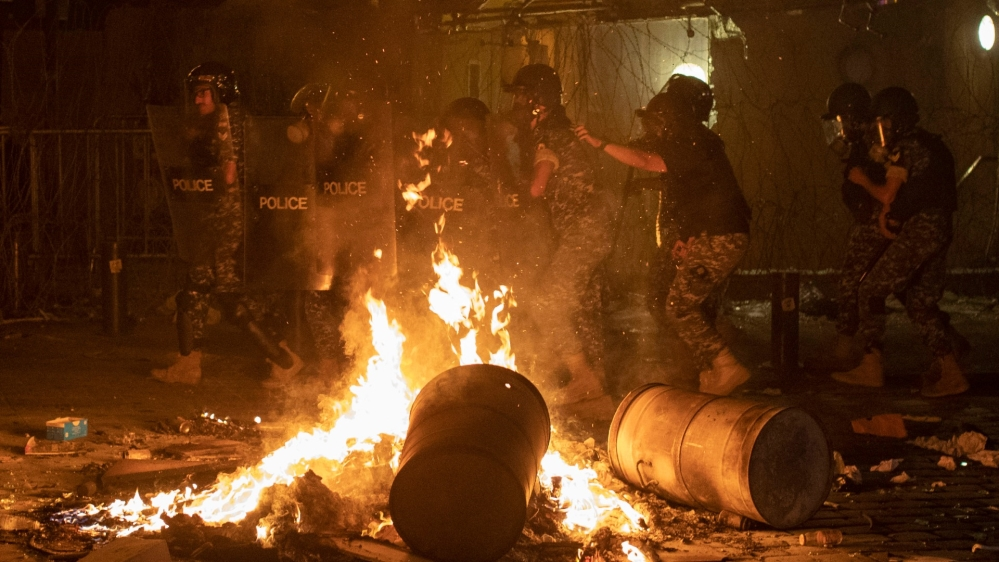 FOTO Proteste violente la Beirut, după explozia devastatoare care a luat 137 de vieți