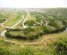В Старом Оргееве монах умер после падения со скалы