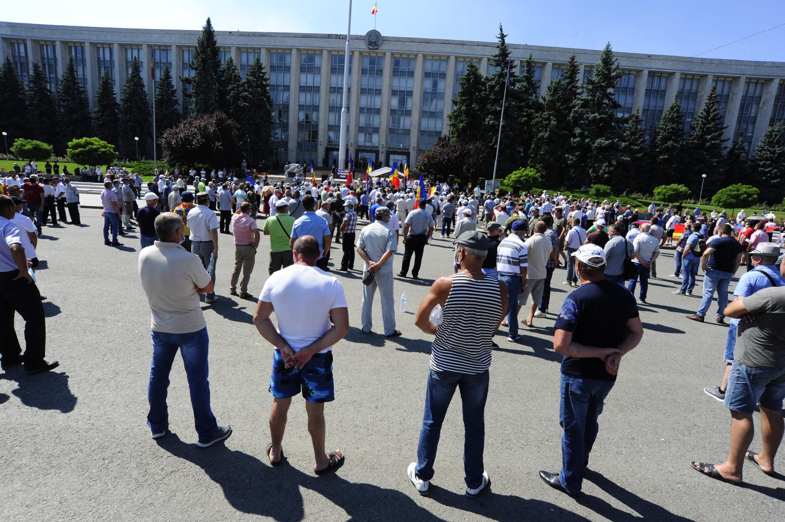Как в Кишиневе прошел протест против Додона. Фоторепортаж NM