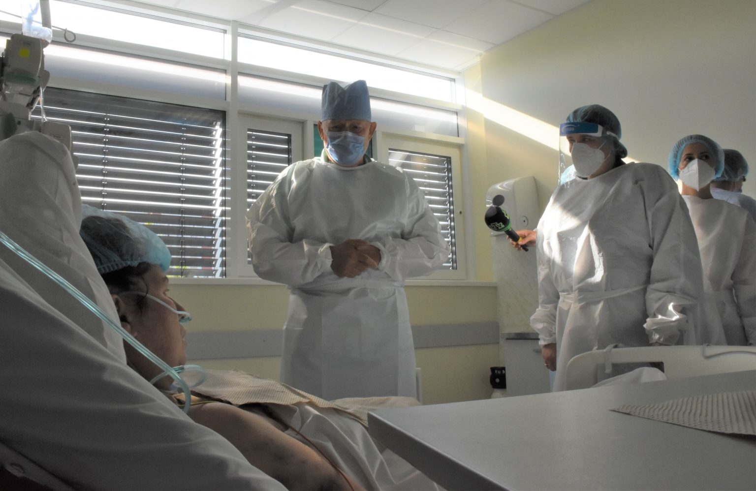 """(FOTO) """"COVID-19 este o boală groaznică"""". Drama unei femei care a născut prematur după ce s-a infectat cu noul coronavirus"""