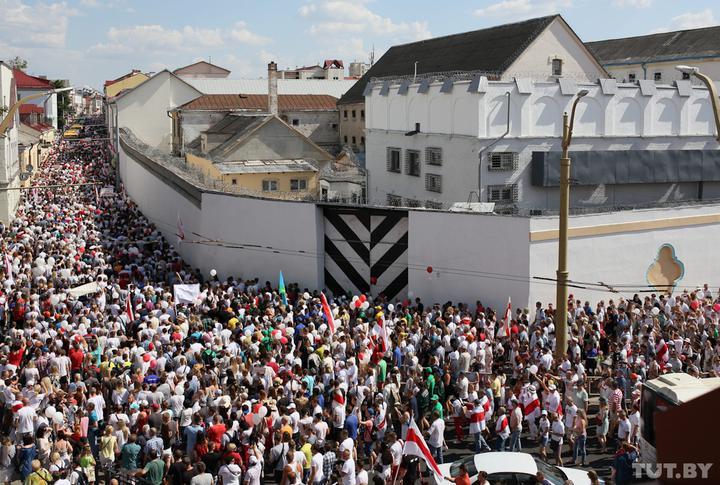 (FOTO/VIDEO) Manifestații de amploare în Belarus, pentru a opta zi consecutiv