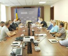 Протестующие транспортники встретились с руководством Нацагентства автотранспорта