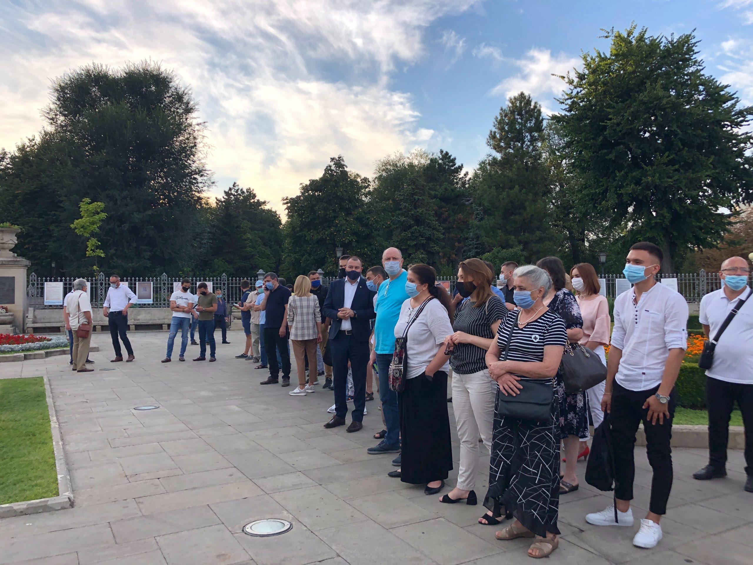 VIDEO/FOTO PAS organizează o manifestație lângă monumentul lui Ștefan cel Mare și Sfânt