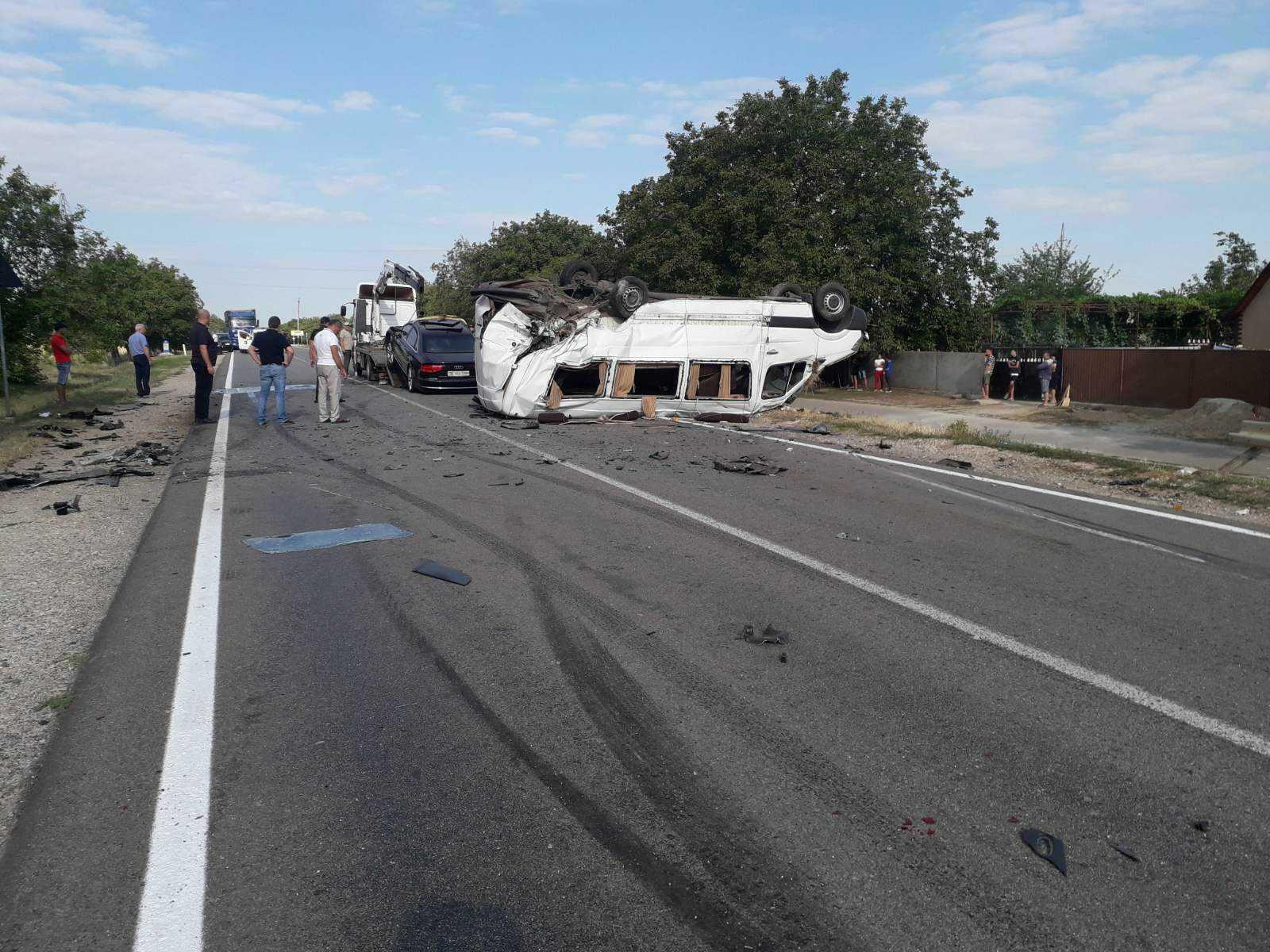 FOTO Accident rutier în raionul Ștefan Vodă. 11 persoane au avut de suferit, dintre care două se află în stare gravă