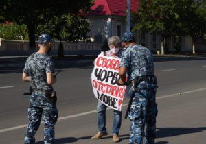«Сначала все было вежливо, через час поступила команда брать». Как в Приднестровье правозащитника задержали, апотом отпустили