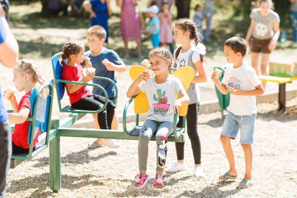 Партия «Шор» продолжает строительство детских площадок: еще две открыли вселах Ширэуць иКорбу