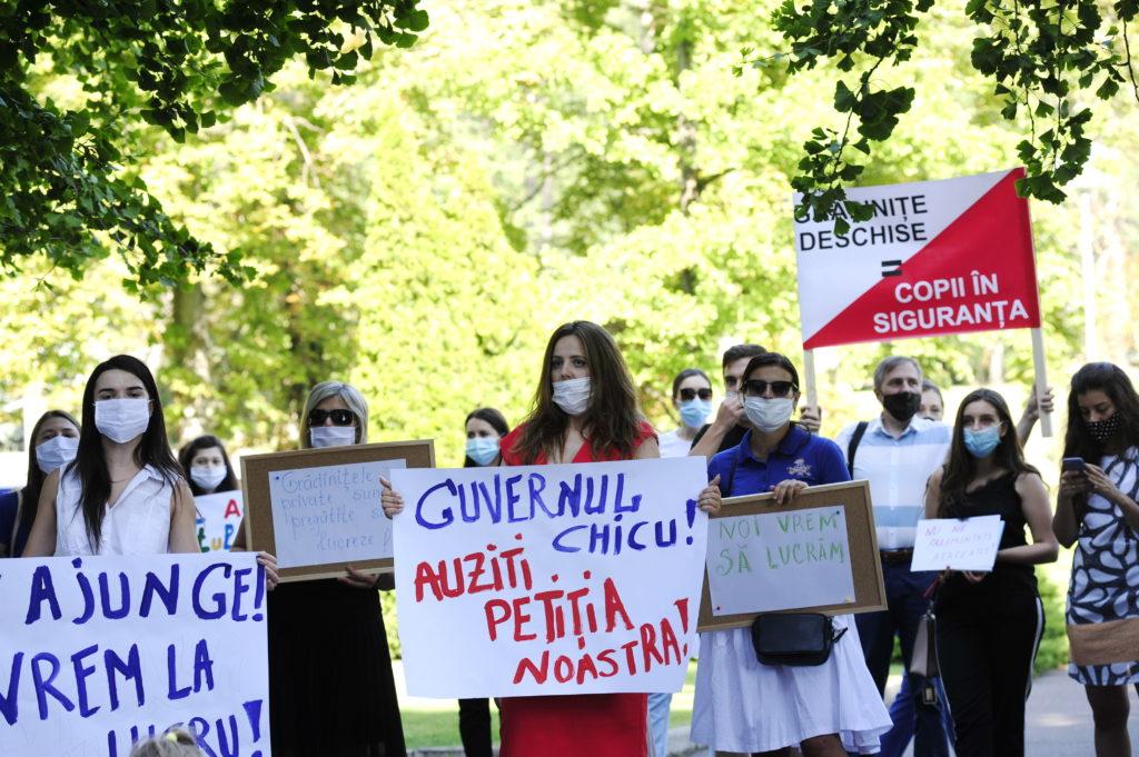 protestul educătorilor grădiniților private