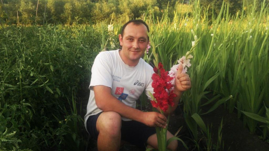 """Pentru că gladiolele. Cum a apărut """"Mica Olandă"""" la nordul Moldovei datorită unui businessman din Edineț"""