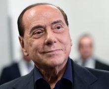 У Сильвио Берлускони выявили COVID-19. Врачи диагностировали двустороннюю пневмонию