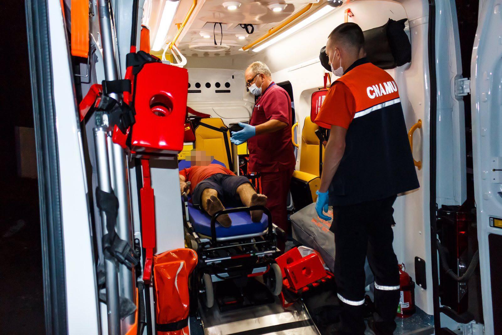 В Бельцах на трех мужчин упали гранитные плиты весом более 1,5 тонн (ФОТО)