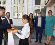 Директора гимназии в селе Хилиуцы оштрафуют после торжественного открытия школьного туалета