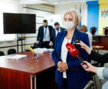 Виолетта Иванов подала в ЦИК документы для регистрации кандидатом на выборах президента