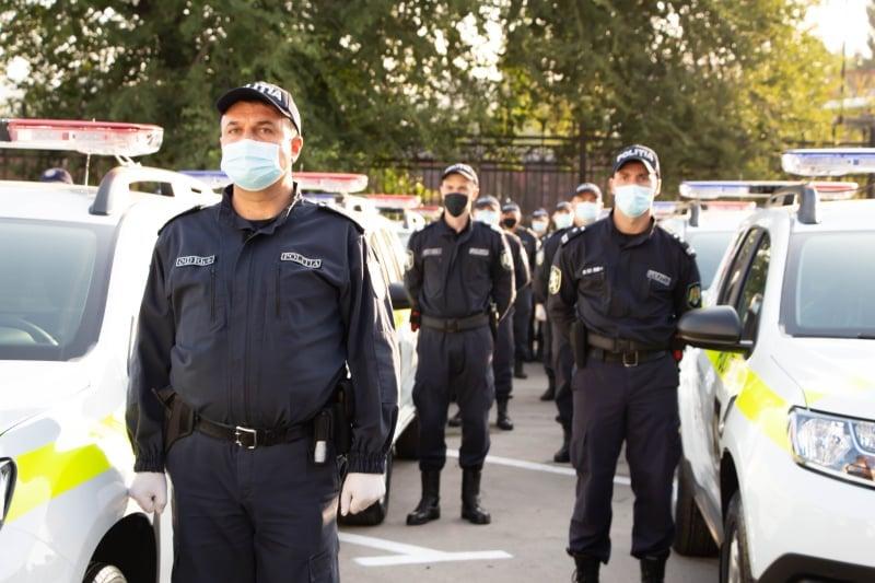 ВМолдове станет больше экипажей полиции. Полицейские получили 52внедорожника (ФОТО)