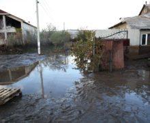 Ущерб отливней вКомрате составил 14млн леев. Что предложили пострадавшим?
