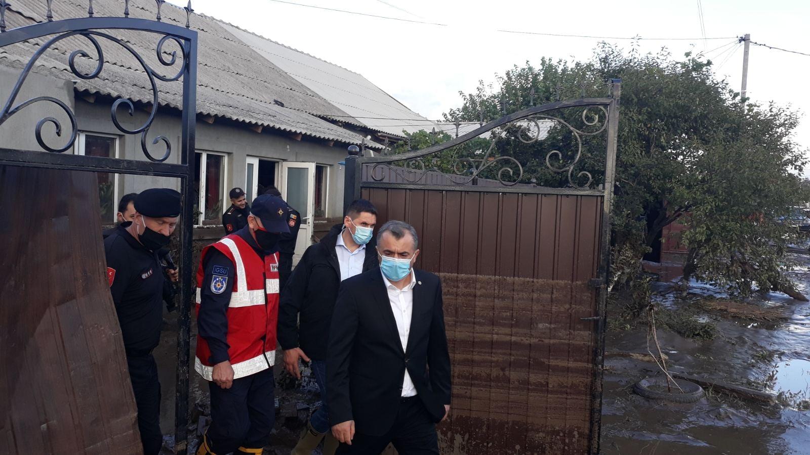 ВМолдове дождь затопил изанес илом около 100 домов (ФОТО)