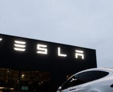 Tesla пообещала через три года выпустить бюджетный электромобиль