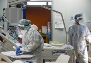 В Молдове еще 20 человек умерли от коронавируса. В тяжелом состоянии 273 пациента с COVID-19