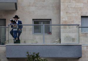 Израиль первым вмире ввел повторный карантин