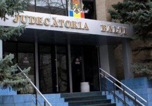 O femeie din Bălți, trimisă pe banca acuzaților. Ar fi pregătit omorul la comandă a amantei fostului ei soț