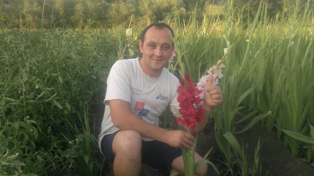 Потому что гладиолус. Как бизнесмен из Единец создал на севере Молдовы «маленькую Голландию»