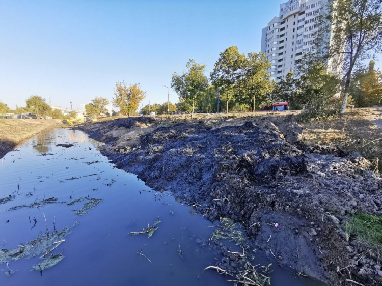 В Кишиневе закончили чистить русло реки Бык (ФОТО)