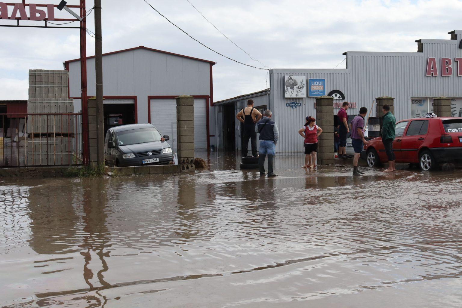 ВКомрате из-за ливня сотни домов остались без газа (ФОТО)