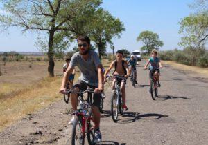 Священник организовал велопробег вВулканештском районе (ФОТО)