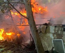 В Кишиневе загорелся частный дом (ФОТО)