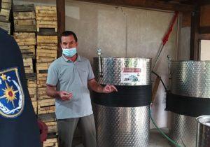 Cât de periculos e, de fapt, tulburelul. IGSU a lansat o campanie de prevenire a intoxicațiilor cu dioxid de carbon în timpul fermentării vinului (FOTO)