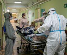В Молдове за сутки 11 человек умерли от коронавируса. В тяжелом состоянии 795 больных COVID-19