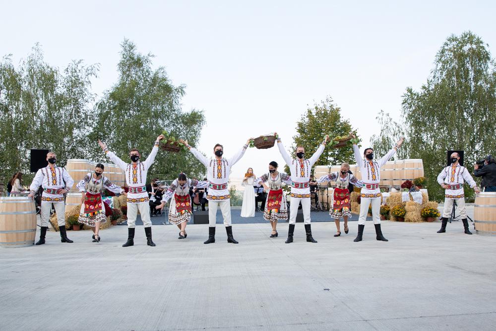 Как вМолдове празднуют День вина. В10фото