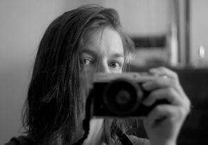 Singură acasă. Cum am învins COVID-ul. Jurnalul alb-negru al Olgăi Gnatcova, jurnalistă NM