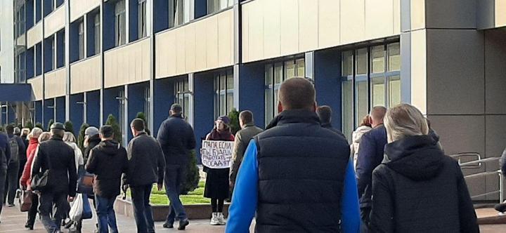 Belarus: Mai mulți angajați ai fabricilor de stat au intrat în grevă, iar studenții au ieșit în stradă
