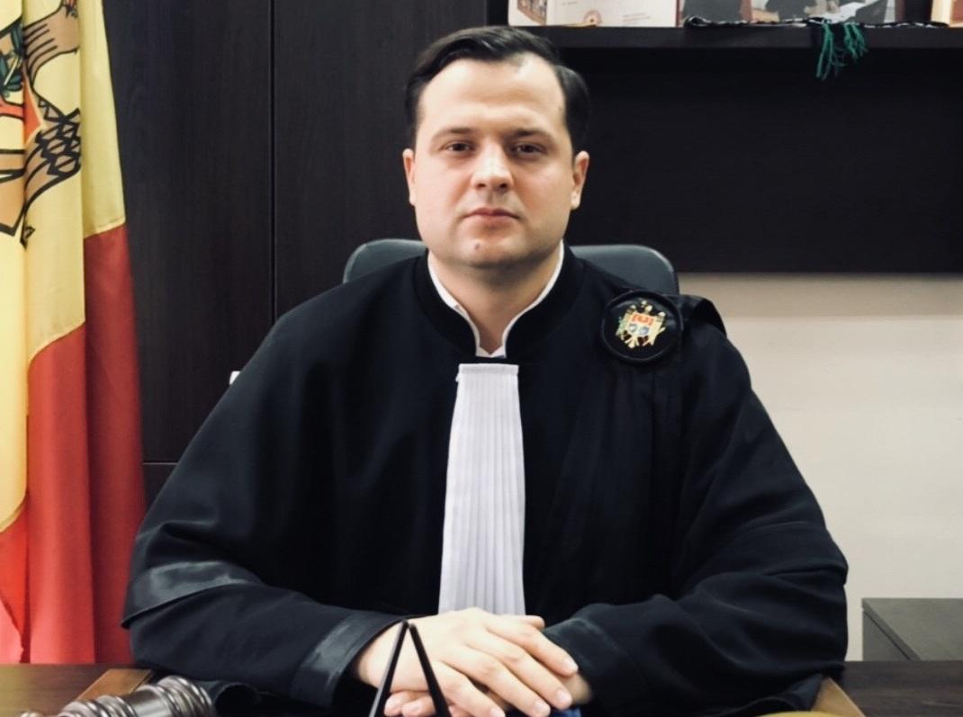 На вакантное место в Высшем совете магистратуры претендуют 9 судей. Что о них известно