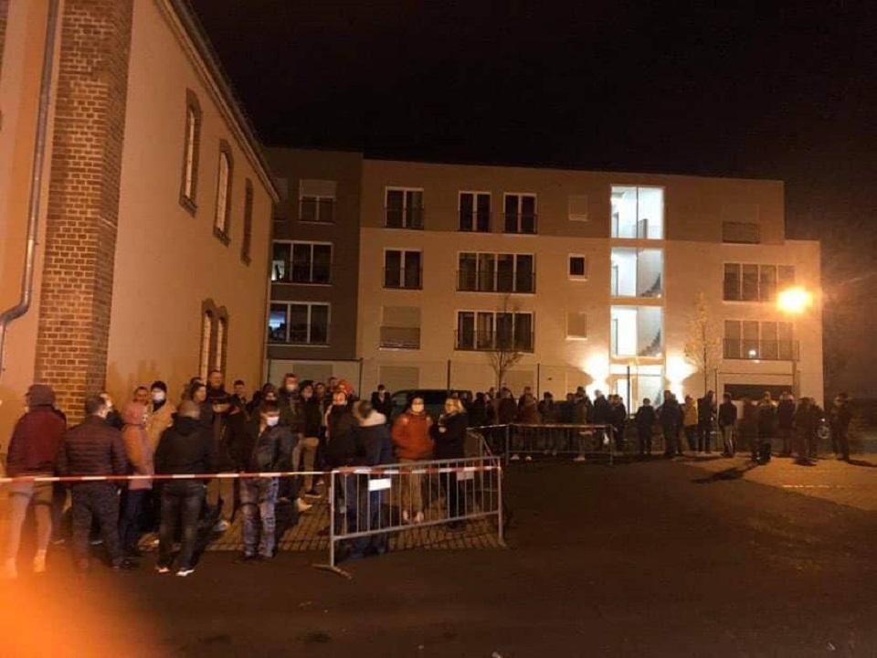 Диаспора голосует. ВКасселе, Лондоне, Бухаресте, Праге дооткрытия избирательных участков образовались очереди (ФОТО)
