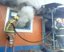 ВСорокском районе загорелся сельский дом. Вогне погибла его владелица