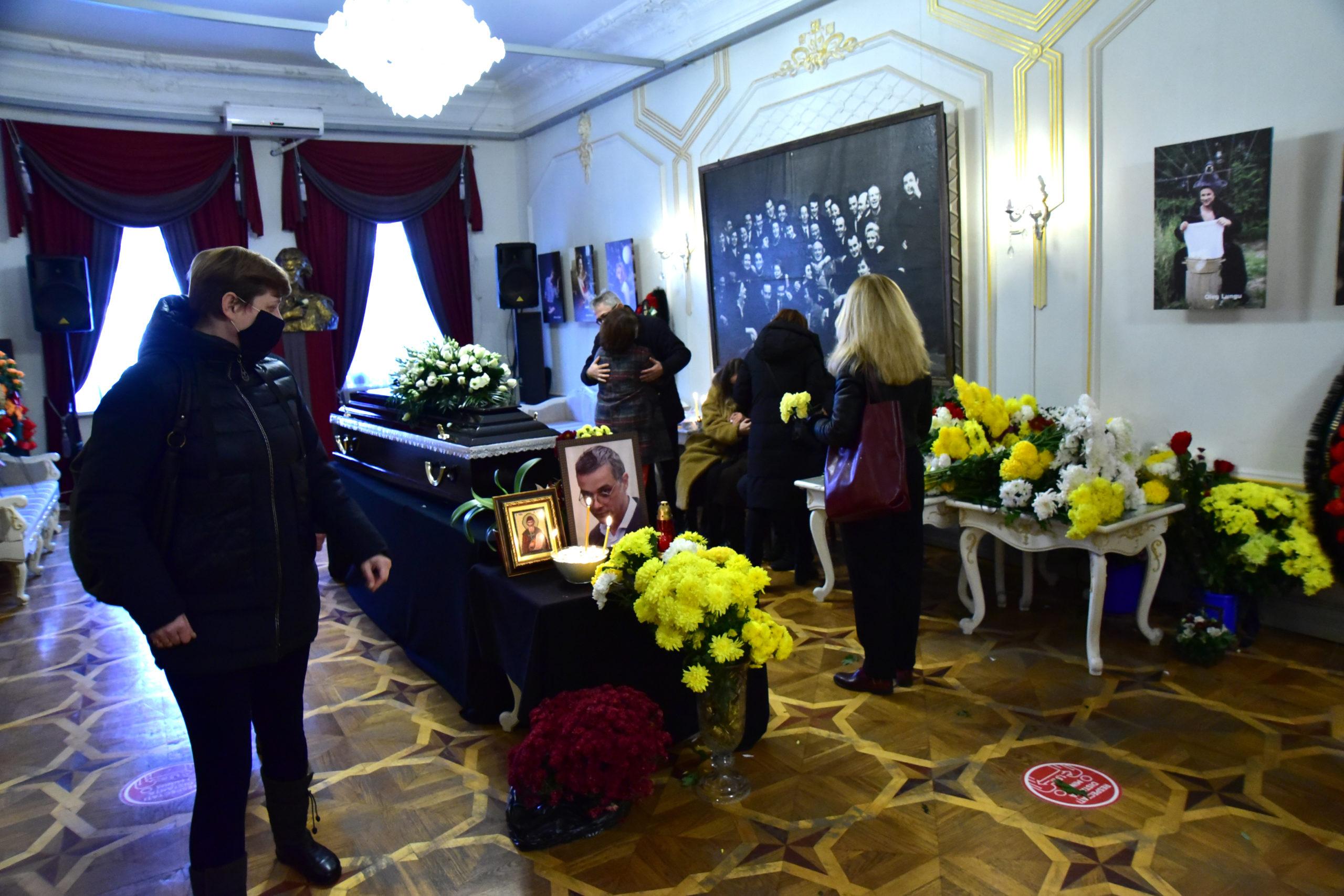 ВКишиневе простились сактером Владом Чобану (ФОТО)