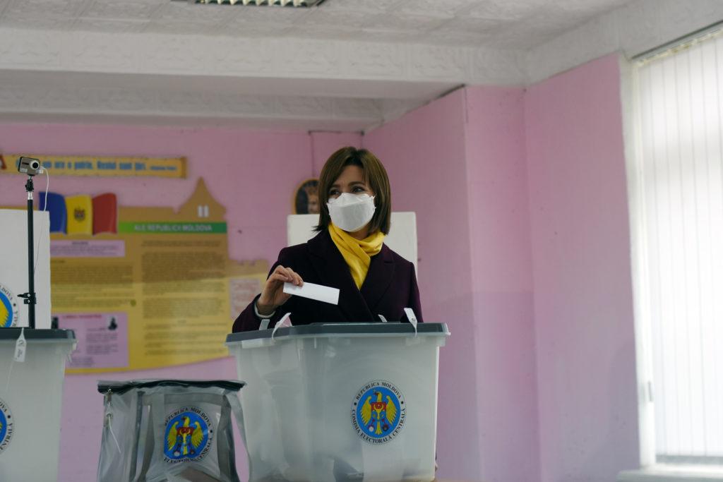 Alegeri prezidențiale în Republica Moldova 2020. Turul doi. Dodon sau Sandu? Online NM